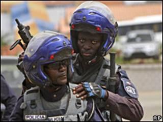 Policía angoleña en Cabinda