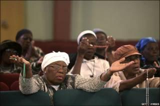 Em Miami, haitianas rezam por vítimas do terremoto
