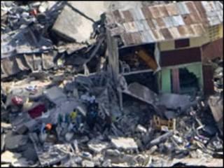 Danos causados por do terremoto em Porto Príncipe