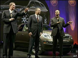 Tiger Woods en una presentación de General Motors
