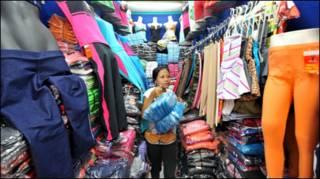 Hàng may mặc tại Jakarta