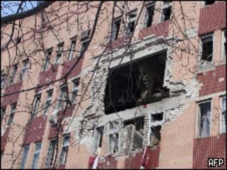 Здание больницы в Луганске