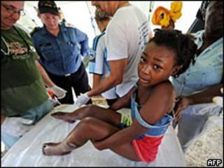 Niña en Haití tras el terremoto
