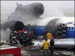 Самолет после аварии