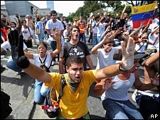 Marcha en Caracas contra la suspensión de RCTVI