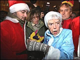 Людмила Алексеева на Триумфальной площади 31 декабря 2009 года
