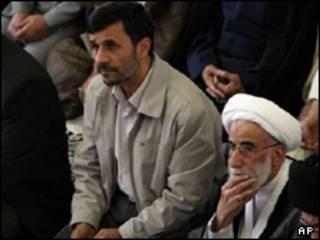 احمدی نژاد و جنتی