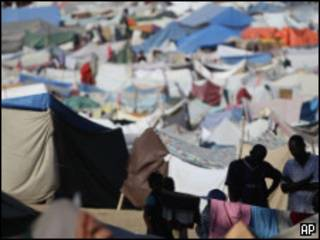 مخيم في هايتي