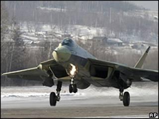 Máy bay tiêm kích Sukhoi đời mới của Nga