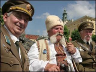 Ветерани ОУН-УПА у День Героїв у Львові, 2005 рік (фото УНІАН)