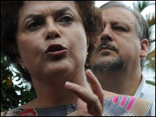 A ministra-chefe da Casa Civil, Dilma Rousseff, com o presidente do PT, Ricardo Berzoini (Foto: Antônio Cruz/ABr)