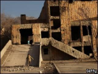 Разрушенное здание бывшего русского культурного центра в Кабуле