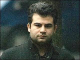 وعد البغدادي الشاب العراقي الذي قاضى ضابط الشرطة في المحكمة