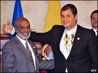 Presidentes René Preval de Haití (izq.) y Rafael Correa de Ecuador (der.)