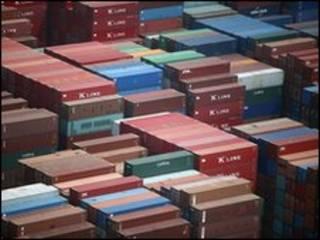 ميناء حاويات داليان في الصين