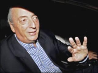 Néstor Kirchner deixa o hospital