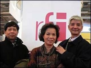 Thụy Khuê (giữa) (Hình: RFI)