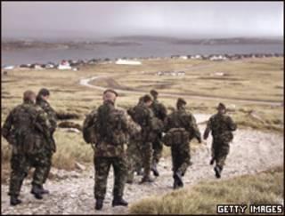 Soldados en las Falklands o Malvinas