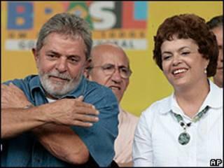Dilma Rousseff junto al presidente Luiz Inácio Lula da Silva