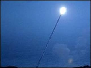 اختبار لعملية اعتراض صواريخ