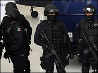 Policías federales de México.