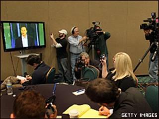 Jornalistas assistem primeira declaração de Tiger Woods na Flórida