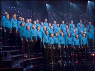 Foto archivo de coro de programa de la BBC.
