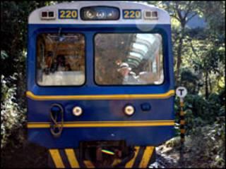 Tren rumbo a Machu Picchu