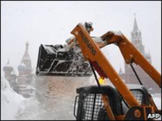 Mascơva có tuyết rơi kỷ lục dày 63 cm