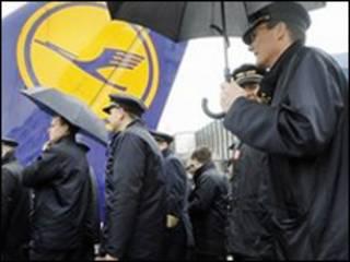 Cuộc đình công của 4.000 phi công hãng Lufthansa từ Đức đã tạm ngưng