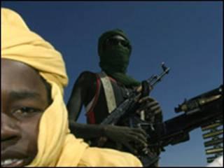 مقاتلين في دارفور