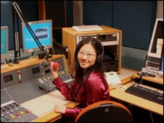 在BBC录音棚录音。