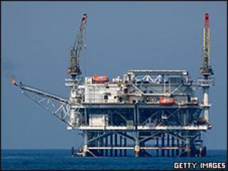 Британская нефтяная платформа у Фолклендов