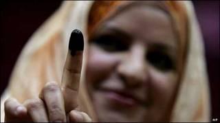 زن عراقی در اردن در انتخابات دور پیشین عراق