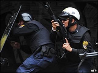 Policías en Caracas, Venezuela. Archivo