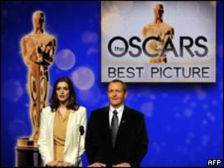 Anne Hathaway anuncia los nominador a Mejor Película del 2010