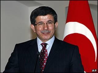 Ahmet Davutoglu, canciller de Turquía