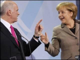 Премьер Греции Георгиос Папандреу и канцлер Германии Ангела Меркель