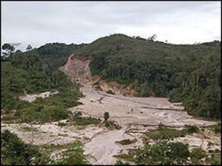 Mina de oro y diamantes de El Polaco, en la Gran Sabana, Venezuela. (foto Anahi Aradas)