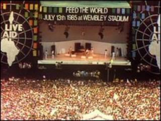 حفل جمع التبرعات لافريقيا عام 1985 في استاد ويمبلي