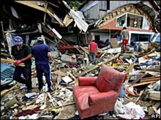 Разрушенные землетрясением дома в Чили