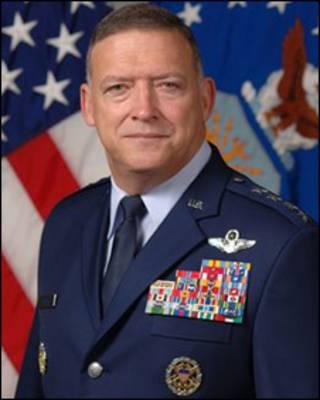 Đại tướng Gary North, tư lệnh Bộ Chỉ huy không quân Thái bình dương của Mỹ