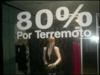 Lojas fazem promoção (Foto: Marcia Carmo)