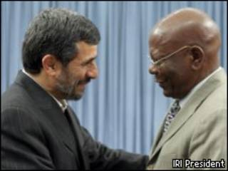 نماینده رئیس جمهوری زیمبابوه و احمدی نژاد