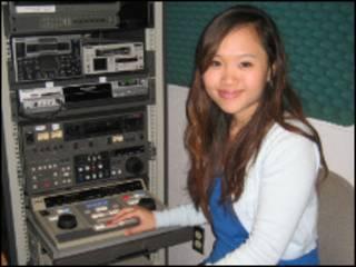 Nur Azlin M Yasin di kantor monitornya