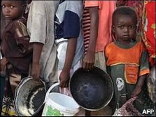 Tường trình đổ lỗi hệ thống phân phát lương thực tại đất nước bị chiến tranh