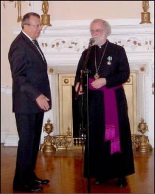 Архиепископ Уильямс и посол России