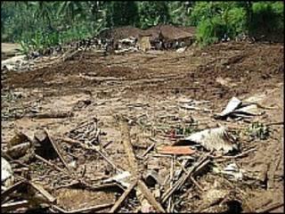 Akibat longsor di Jawa Barat