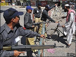 رجال أمن في مدينة كراتشي