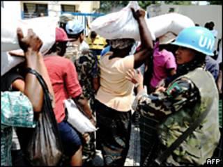 Agentes da ONU no Haiti. Foto AFP